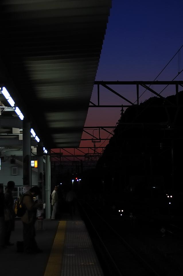 黄昏の勝浦駅
