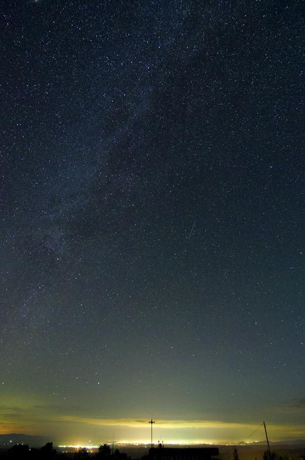 富良野の灯りと星空