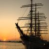 夕日にたたずむ海の貴婦人