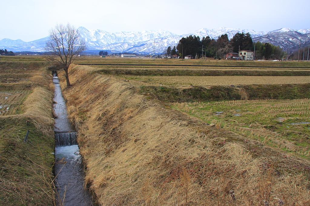 山麓の田園風景