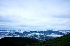 霧たつ雄峰