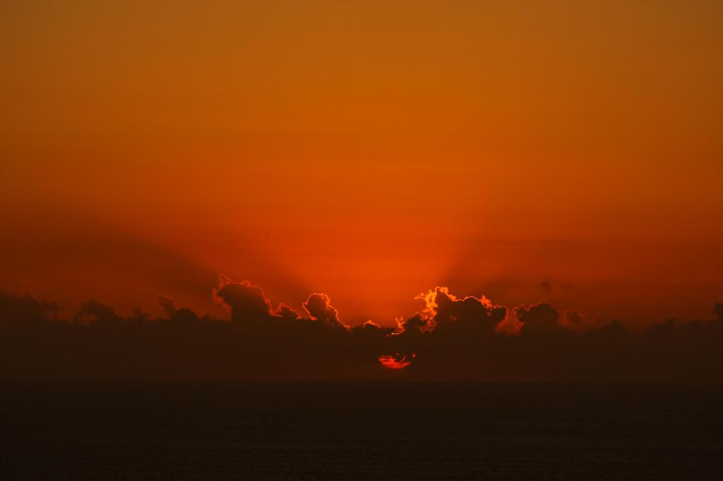 沈みゆく夕日4
