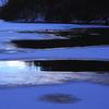 厳冬の湖面