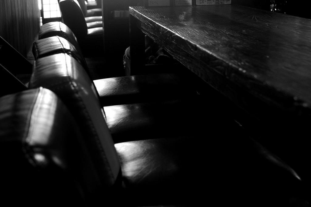 客を待つ椅子