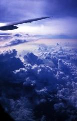 雲は湧き、空を駆ける