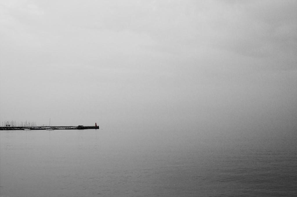 空 灯台 海