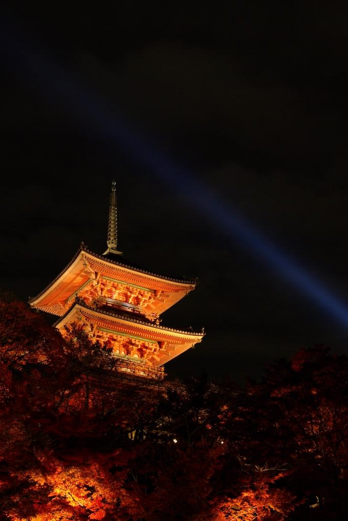 清水寺 三重塔 ライトアップ