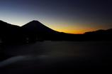 本栖湖の夕景