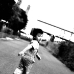 NIKON NIKON D3で撮影した人物(look back)の写真(画像)