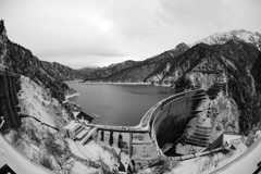 初冬の黒部ダム