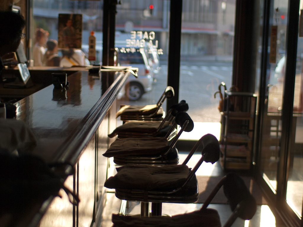 朝7時の喫茶店。