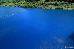 すごい青の湖