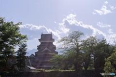 光り指す松本城