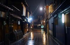 雨音・花見小路
