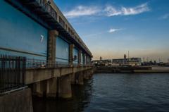 旧江戸川の水門