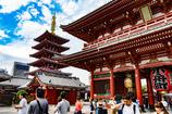 浅草、浅草寺の五重塔と青空