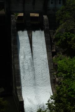 三成ダム・二連瀑布