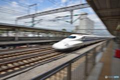 新幹線って速いなぁ!