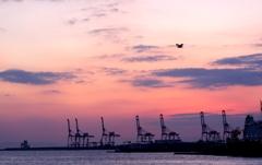 夕暮れの大阪港