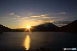 輝く本栖湖