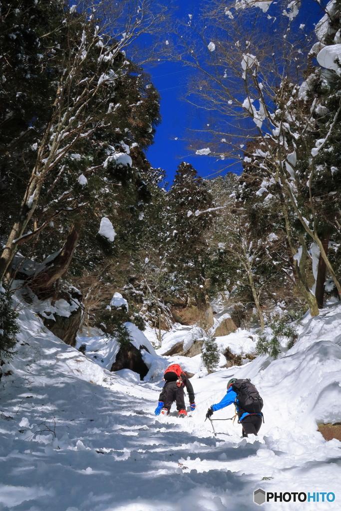 大雪の御在所岳本谷コースに挑む