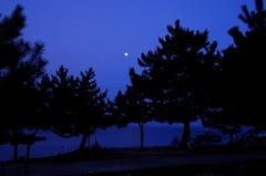 湖畔の夕刻