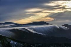 雲海落つる谷