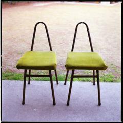椅子ふたり