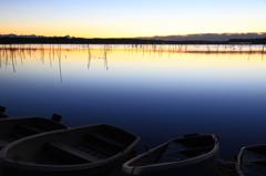 印旛沼・朝景 - 朝ぼらけの貸しボート -