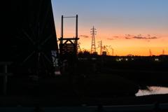 印旛沼・風車 - 哀愁の冬の夕暮れ -