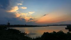 印旛沼・風車 - 名残りの夕焼け -