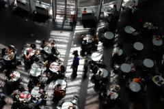 街の情景 - 国立新美術館・カフェ模様 -