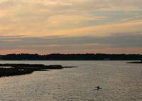 CANON Canon EOS 5D Mark IVで撮影した(印旛沼・夕景 - カヌーのある鹿島川 -)の写真(画像)