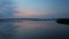 印旛沼・朝景 - 焼けない朝 -