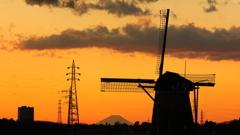 印旛沼・風車 - 冬富士との競演 -