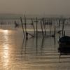 印旛沼・朝景 - 魚師の乗る小舟 -