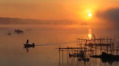 印旛沼・朝景 - 旭陽とアングラー -