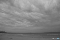 曇りのち浜辺