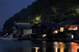 舟屋の灯り