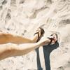 嫁's 脚
