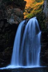 秋の二段滝