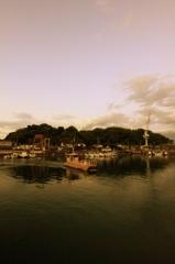 港山の夕方