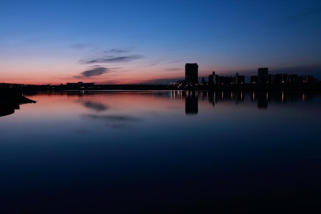 荒川 夜明け前