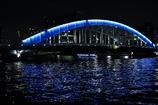 青い橋と青い船