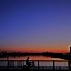 荒川 橋の上 朝焼け自転車