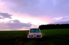 ミニと丘と夕景