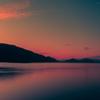 支笏湖 朱に染まる空と湖面