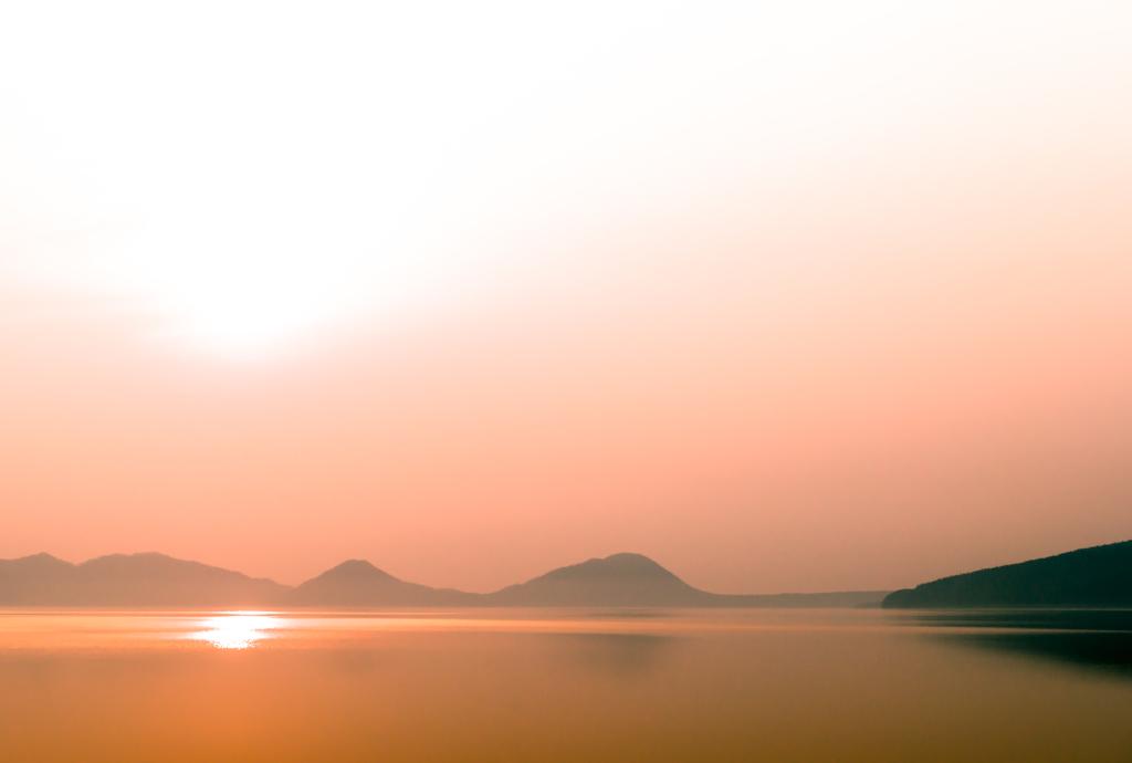 支笏湖 5月の朝