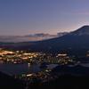 新道峠の富士夜景