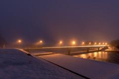 川霧の橋を渡る